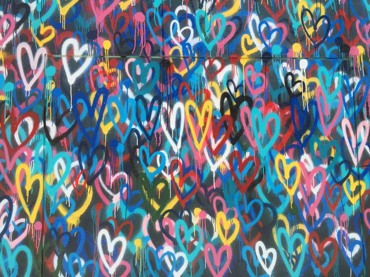 Grafitti of colorful hearts